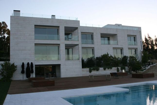 Hotel/guest house for sale in Leiria, Portugal