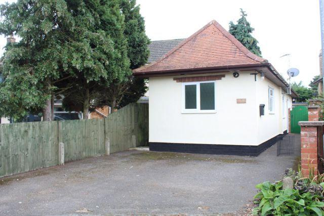 Thumbnail Detached bungalow to rent in Skinyard Lane, Long Buckby, Northampton