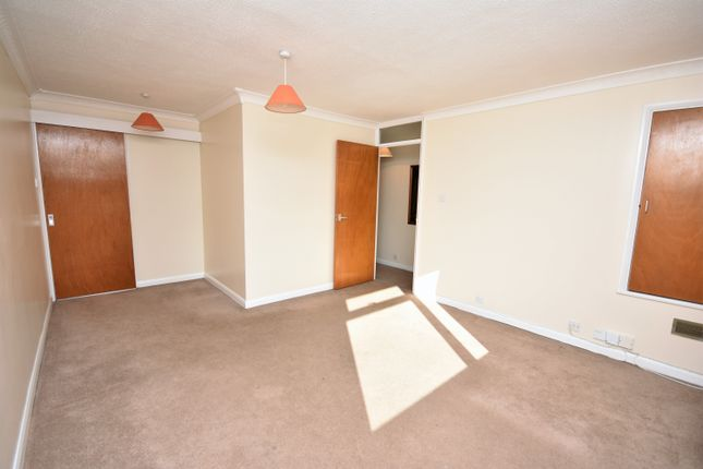 Living Area of Slattenham Close, Hartwell, Aylesbury HP19