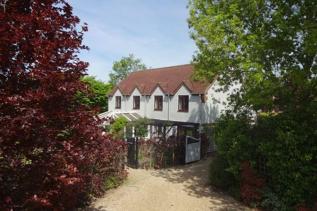 Thumbnail Detached house to rent in Redlands Lane, Crondall, Farnham