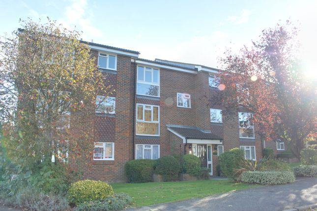 Flat to rent in Fleetwood Close, East Croydon