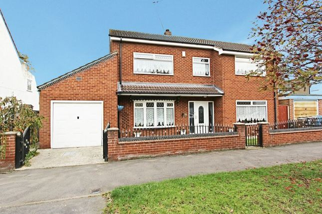 Thumbnail Detached house for sale in Inglemire Avenue, Hull
