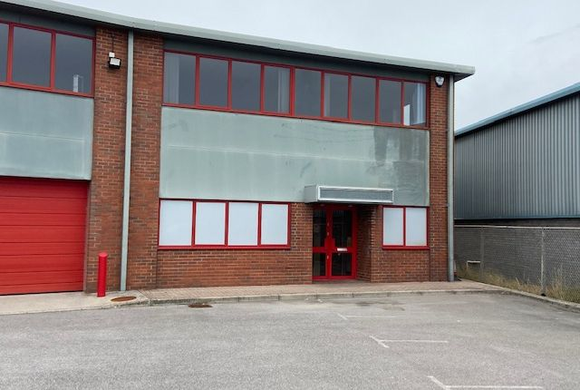 Thumbnail Business park to let in Redman Road, Calne