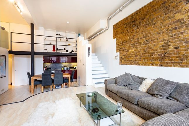 Institute Place, London E8