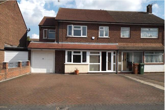 5 bed semi-detached house to rent in Alderney Road, Slade Green