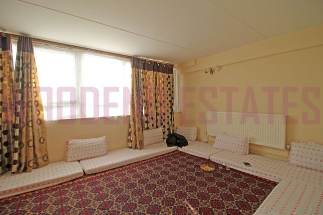Thumbnail Flat to rent in Burgess Court, Southall