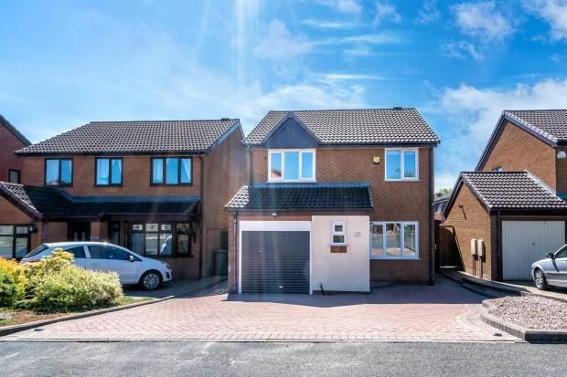 Thumbnail Detached house for sale in Mayfields Drive, Brownhills, Walsall