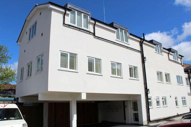 Flat to rent in Band Lane, Egham