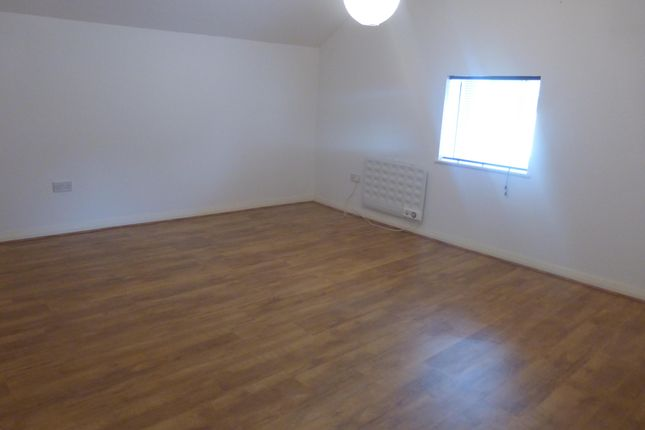 Thumbnail Flat to rent in Wisbech Road, Outwell, Wisbech