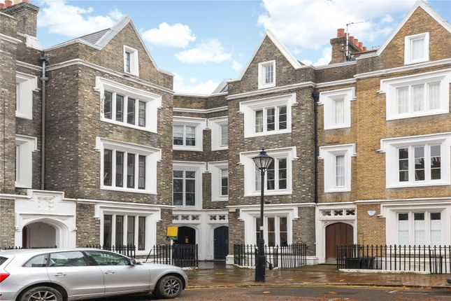 Thumbnail Terraced house for sale in Lonsdale Square, London