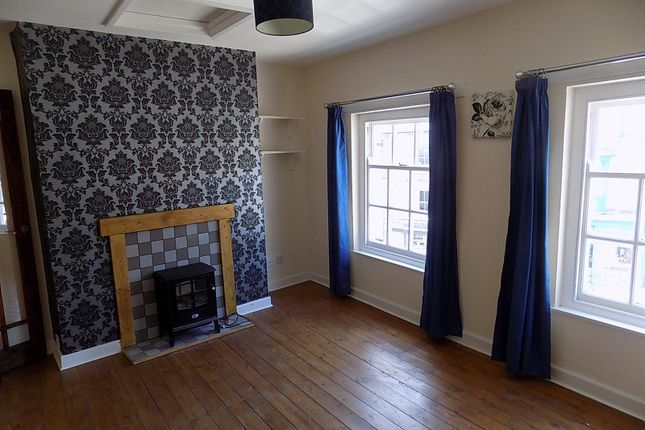 Thumbnail Flat to rent in Market Place, Ashbourne, Derbyshire