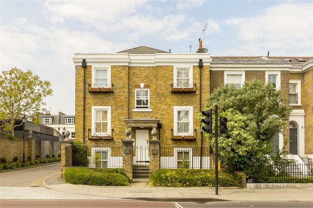 Thumbnail Flat for sale in The Spinney, Castelnau, London