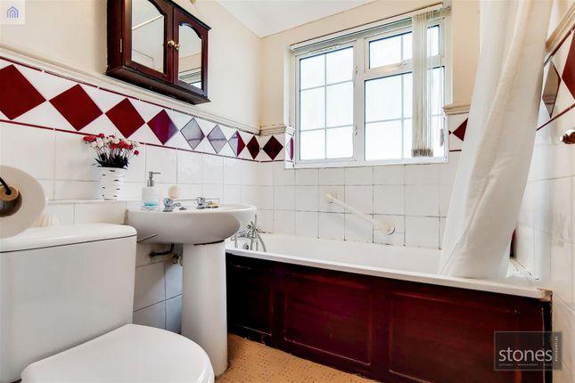 7_Bathroom-0 of Merrion Avenue, Stanmore HA7