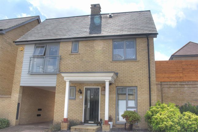 Thumbnail Property to rent in Blackberry Way, Hemel Hempstead