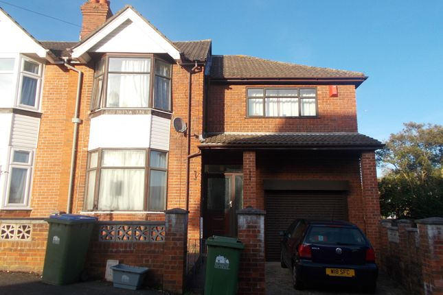 Thumbnail Terraced house to rent in Kitchener Road, Southampton