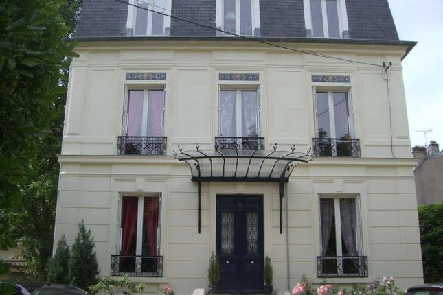 6 bed property for sale in Maisons-Laffitte, Paris, France