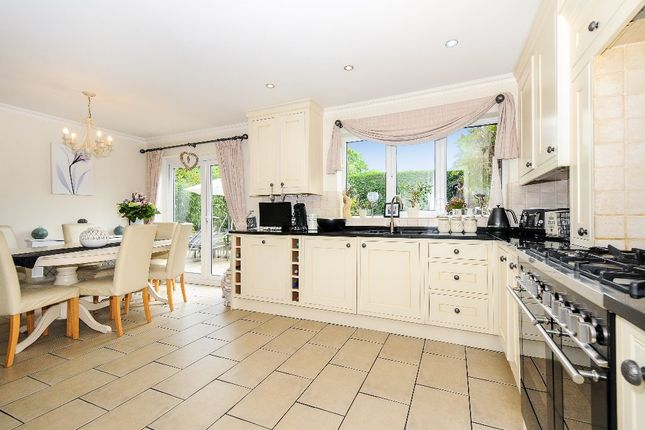 Thumbnail Detached house for sale in Cavendish Meads, Ascot