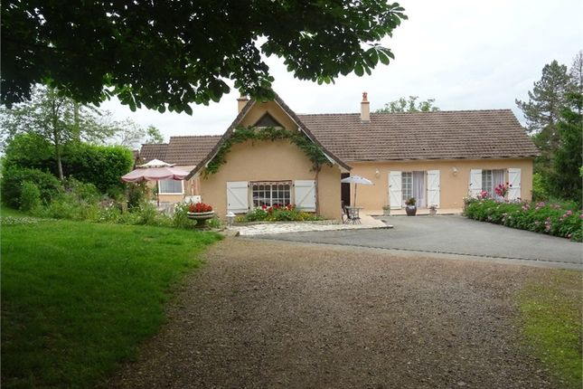 4 bed property for sale in Auvergne, Allier, Le Donjon