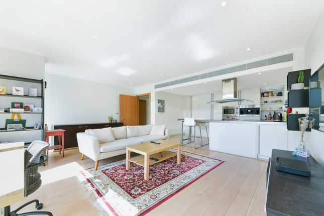 Thumbnail Flat to rent in 26 Hertsmere Road, Canary Wharf, London