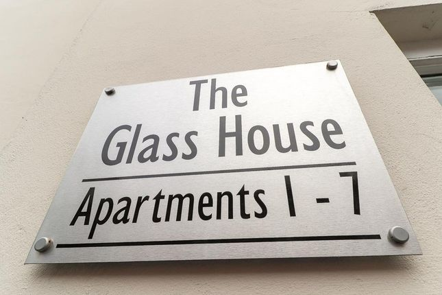 Thumbnail Flat to rent in Windsor Street, Leamington Spa