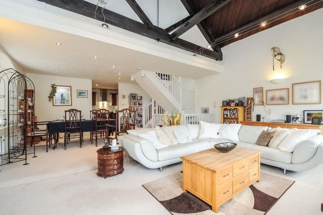 Thumbnail Town house for sale in Chipping Norton, Oxfordshire