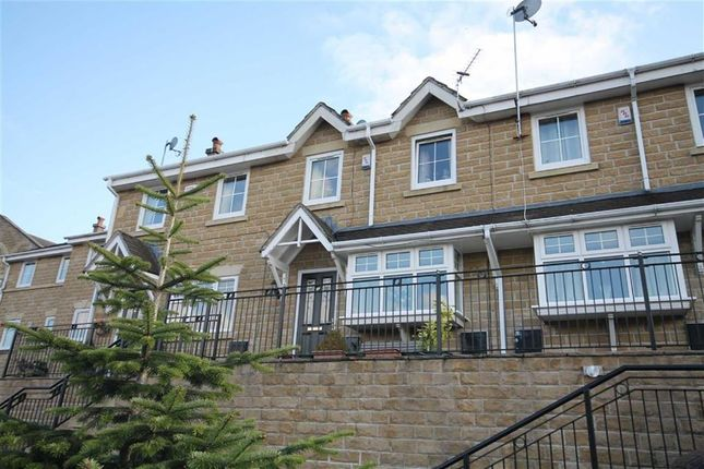 4 bed town house for sale in Durnlaw Close, Rochdale, Lancs