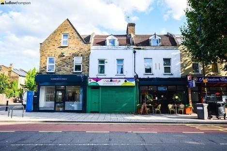 Thumbnail Flat to rent in Grove Vale, London