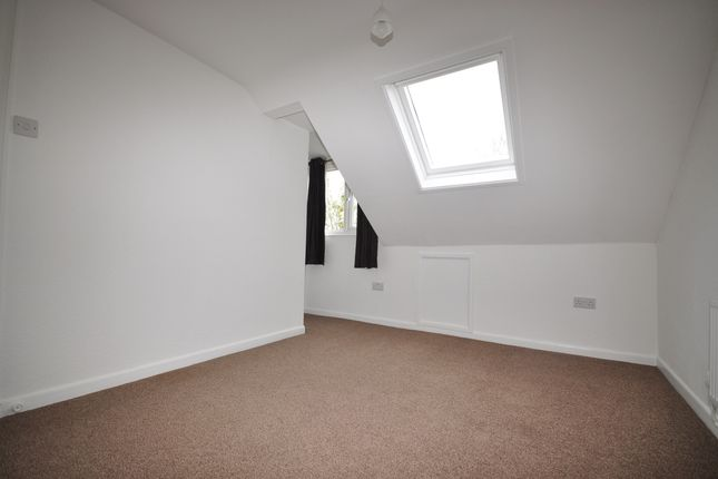 Thumbnail Flat to rent in Grove Road North, Southsea