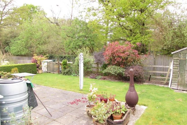 Thumbnail Mobile/park home for sale in Station Road, Nettlestead, Maidstone, Kent
