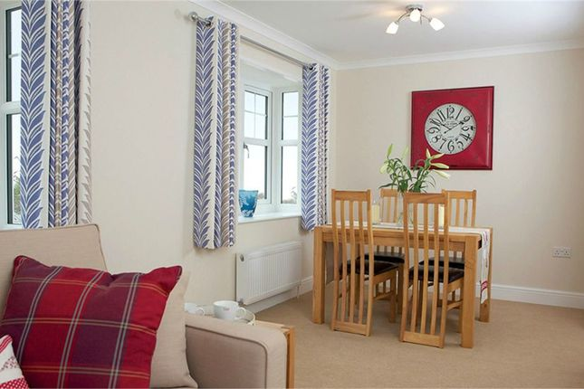 2 Bed Mobile Park Home For Sale In Lambeth Road