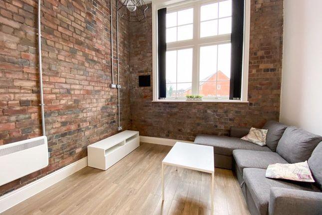 Thumbnail Flat to rent in Crocketts Lane, Smethwick