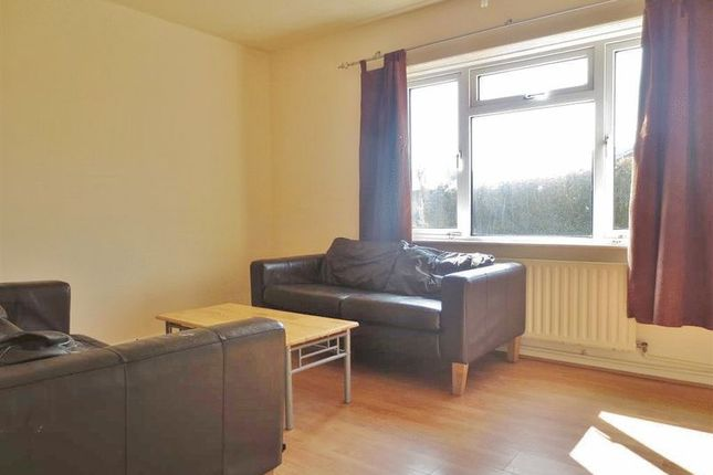 Thumbnail Semi-detached house to rent in Appledore Road, Brighton