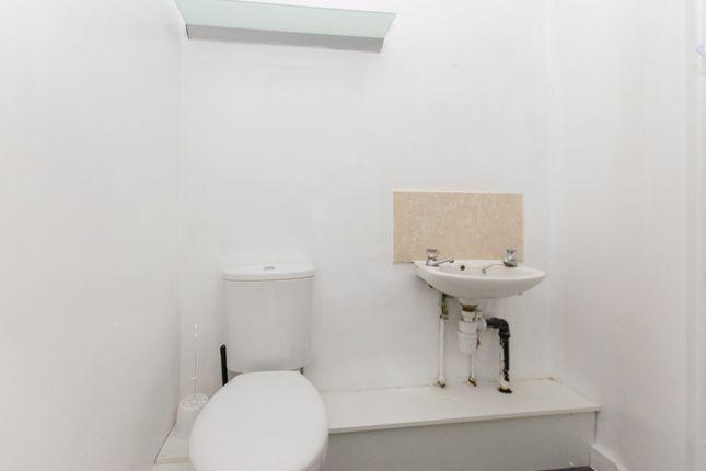 Flat 3 Shower Room 2