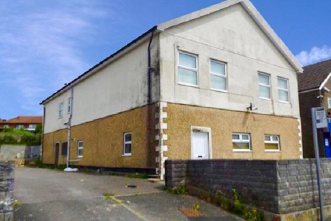 Thumbnail Flat to rent in Heol Aneurin, Caerphilly