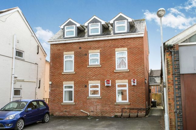 1 bed flat to rent in Middleton Road, Salisbury