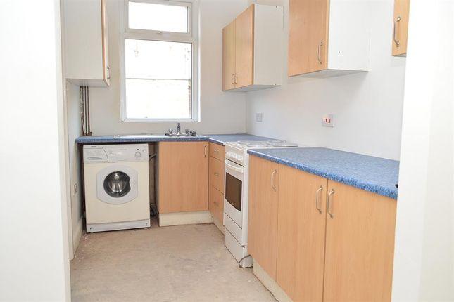 Kitchen of Urmson Street, Oldham OL8