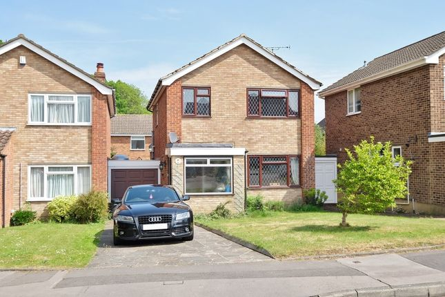 Thumbnail Detached house for sale in Gumping Road, Orpington