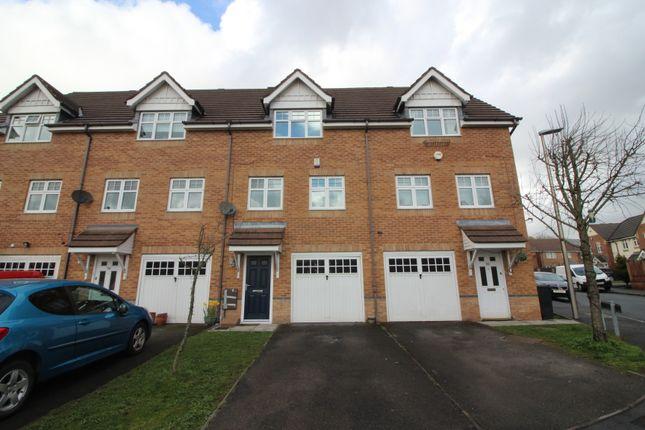 Thumbnail Town house to rent in Dartington Road, Platt Bridge, Wigan