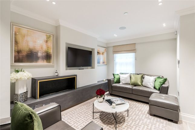 Thumbnail Property for sale in Bell Street, London