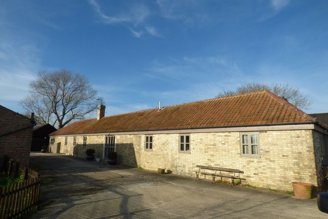Thumbnail Barn conversion to rent in Low Road, Thurlton, Norwich