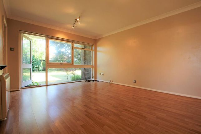 Thumbnail Flat to rent in Castano Court, Kitters Green, Abbots Langley, Hertfordshire