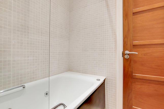 4_Bathroom-0 of Queensway, London W2