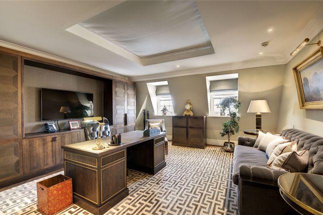 Bedroom/Study of Lygon Place, Belgravia, London SW1W