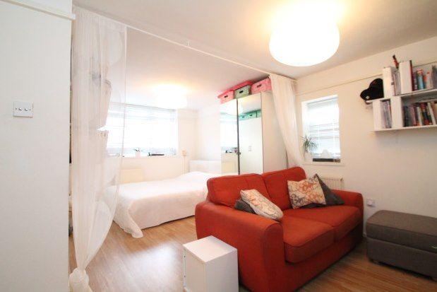 Thumbnail Studio to rent in New Addington, Croydon