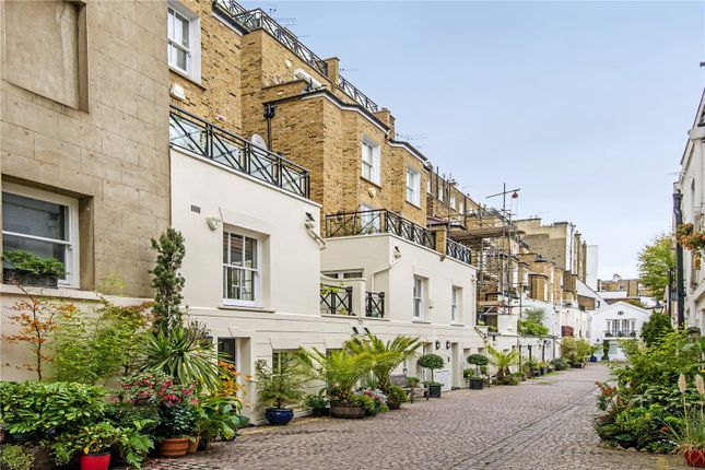 Thumbnail Mews house for sale in Stanhope Mews South, London