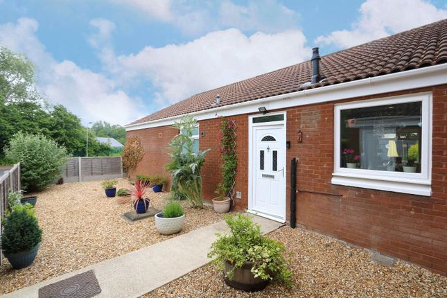 Thumbnail Bungalow to rent in Walshs Manor, Stantonbury, Buckinghamshire