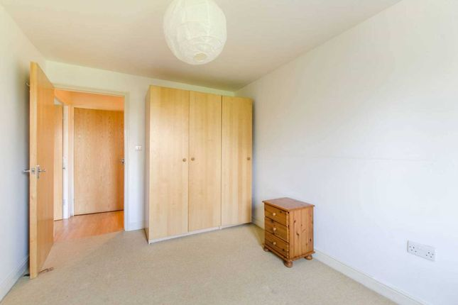 Thumbnail Flat to rent in Holdernesse Road, Tooting Bec