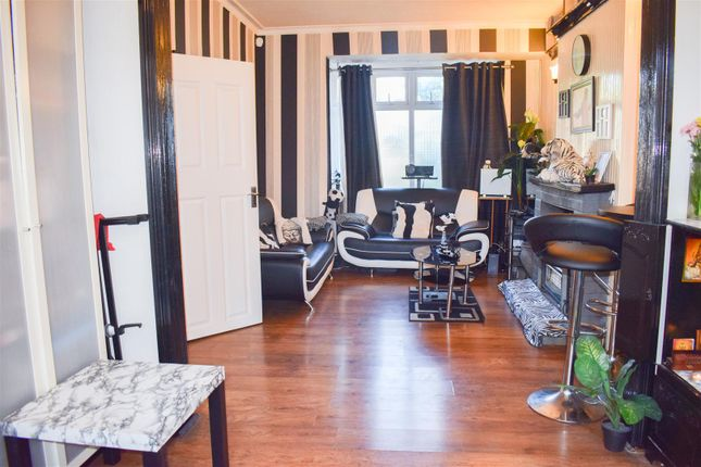 Thumbnail End terrace house for sale in Clyde Road, Sutton