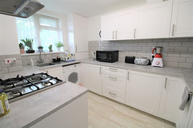 2 bed flat for sale in Atkins Close, Cambridge CB4