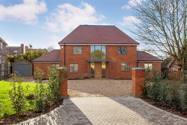 Thumbnail Detached house for sale in Upper Basildon, Reading